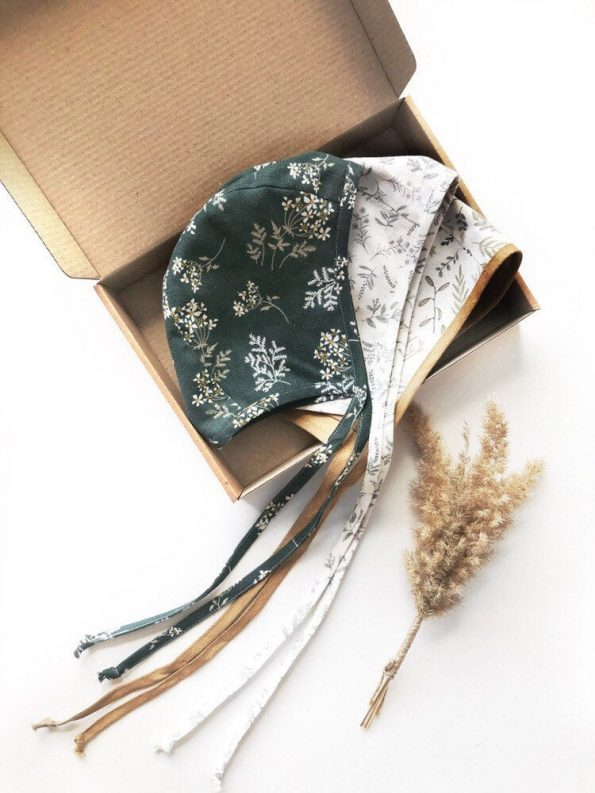 Botanic-linen-baby-bonnet-box