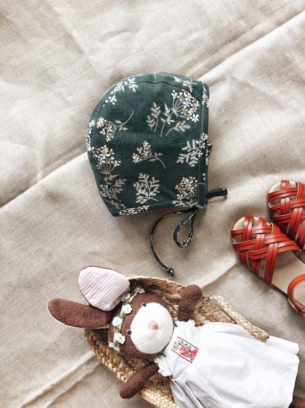 daisies-linen-baby-bonnet