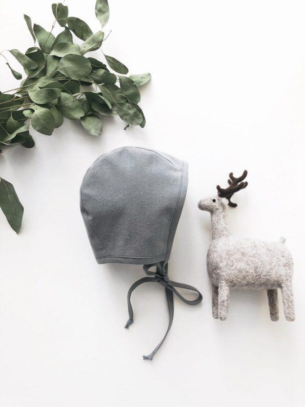 grey-heron-baby-bonnet-front