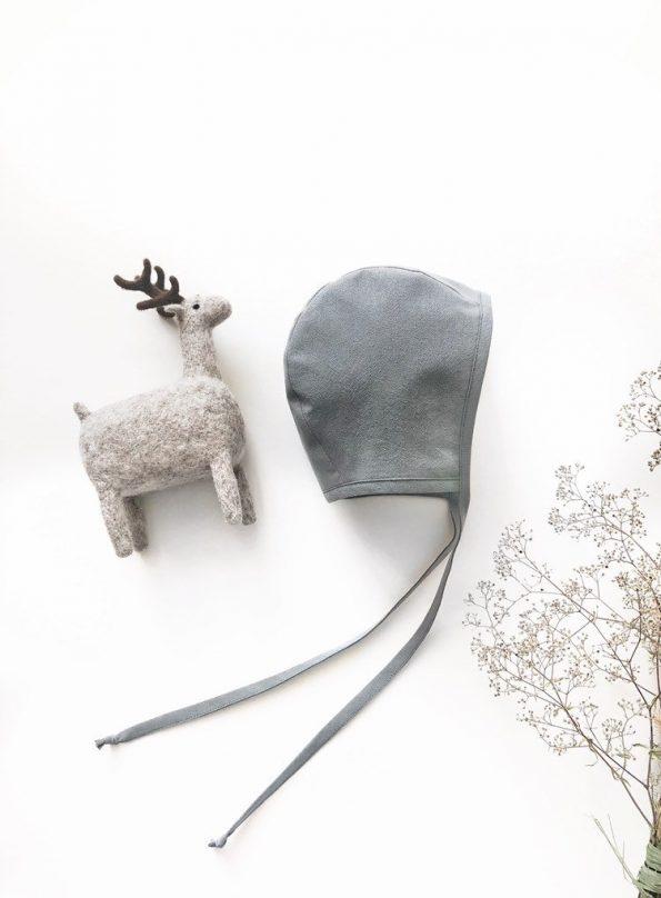 grey-heron-reversible-baby-bonnet