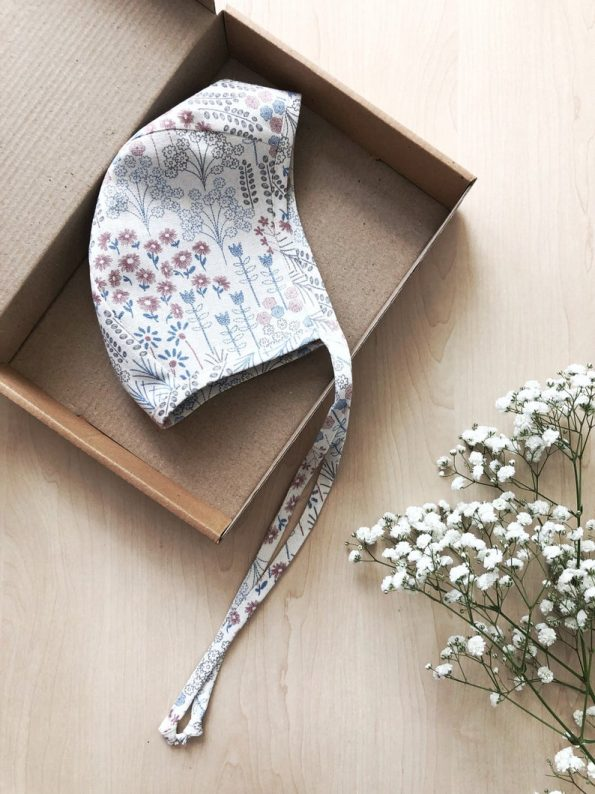 meadow-bouquet-linen-baby-bonnet-box